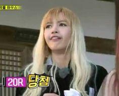 When I see something cringe worthy. Meme Faces, Funny Faces, Ugly Pics, Yg Artist, Blackpink Memes, Kim Jisoo, Hot Anime Boy, Jennie, Blackpink Photos