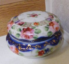 VTG PORCELAIN COVERED TRINKET WITH GOLD GĪLDING, BEAUTIFULLY DONE MARK RED  WREATH FEH + ?  UNDER THAT LR?                                                        NFS