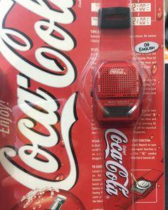 コカコーラのトーキングウォッチ。日本限定なのかな?詳細は不明。パッケージを含めたデザインが好き。  #時計 #腕時計 #watch #watches #ゲーム #game #ゲームウォッチ #gamewatch #コーラ #cola #コカコーラ #cocacola… Retro Watches, Coca Cola, Gifts, Clocks, Presents, Coke, Favors, Cola, Gift