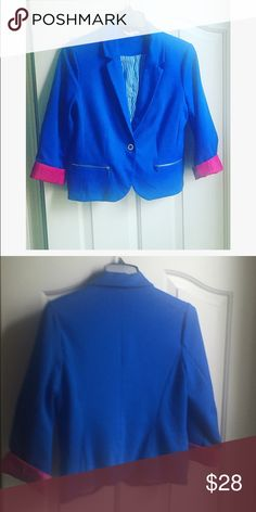 Kentucky Blue blazer Kentucky blue 3/4 length sleeve blazer. Material -shell 95% polyester 5% spandex; lining 100% polyester. Size large.  Featuring two zipper pockets on both sides that are functional. Also has one button to button in front. Used but in good condition! The sleeves have a pink lining in them. Can be worn folded in or out, to feature this pink lining. Candie's Jackets & Coats Blazers