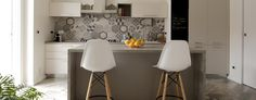 La Cucina: Cucina attrezzata in stile  di ARCHISPRITZ Sweet Home, Table, House, Furniture, Home Decor, Home, Decoration Home, House Beautiful, Room Decor