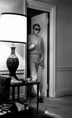 Steve McQueen at the Sherry Netherlands Hotel, New York, 1962. William Claxton.