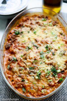 Aardappel-gehaktschotel | Kookmutsjes Oven Dishes, Food Dishes, Healthy Diners, Confort Food, Healthy Recepies, Brunch, Everyday Food, No Cook Meals, Food Inspiration