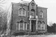 The Ghosthunter in Spookhuis Jufferschans in Ijzendijke. In 1998 ontdekte The Ghosthunter dit vreemde herenhuis.