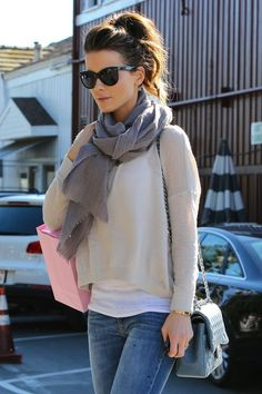 Kate+Beckinsale in Kate Beckinsale Shops in Brentwood
