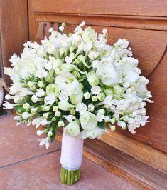Simple Wedding Bouquets, Wedding Flower Girl Dresses, Bride Bouquets, Flower Bouquet Wedding, Simple Weddings, Farm Wedding, Dream Wedding, Hydrangea Bouquet, Luxury Flowers