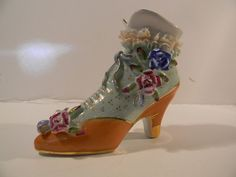 LIMOGES PORCELAIN HAND-PAINTED VICTORIAN SHOE/BOOT FIGURINE
