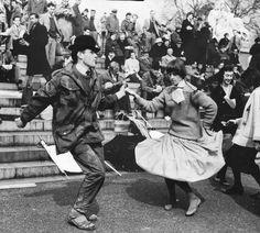 Aldermaston marchers (& dancers!) 1959