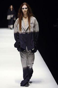 Yohji Yamamoto Fall 2006 Ready-to-Wear Collection Photos - Vogue