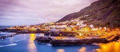 http://mundodeviagens.com/tenerife/ - A ilha espanhola de Tenerife é o local certo para passar umas férias relaxantes à beira-mar, pois é bastante solarenga e calma. Santa Cruz é a capital e as suas praias de água límpida e de areia branca, recentemente importadas do deserto do Sara, são o seu cartão de visita.