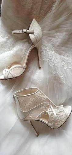 Lace shoes for bride to match the dress.