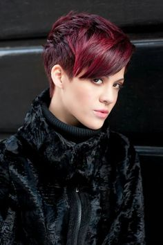 Haircuts There is Somthing special about wome Short hair styles I'm a big fan of Pixie cuts and styl Short Red Hair, Super Short Hair, Short Hair Cuts, Short Hair Styles, Pixie Cuts, Undercut Hairstyles, Pixie Hairstyles, Cool Hairstyles, Haircuts