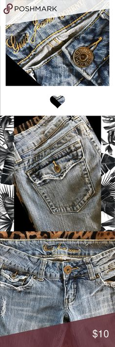 🍻🎊🎉HOST PICK 🎉🎊🍻 Factory distressed Authentic Guess Jeans🦋Inseam 33💋Good broke in used condition. See all photos please and ask questions before purchase. No Smoke and home of 19 chickens, and 2 small fur babies that are not allowed in my closet🙌🏻🐶🐶🐔🐤🐤🐤🐤🐤 Guess Jeans