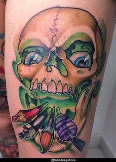 tatuagem new school caveira:colorida preta desenho braço no pescoço pequena perna na mao flores tradicional costas #tattoo Tattoo Caveira, Tatuagem New School, Badass Tattoos, Doodles, Skull, Lingerie, Meaning Tattoos, Skull Art, Mexican Skulls