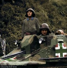 Hungarian tank crew emerges from the turret during a mopping up operation against bands of partisans in the Cherkasy area. Ukraine, September 1941 - pin by Paolo Marzioli Ww2 Photos, Ww2 Tanks, Korean War, Panzer, Armored Vehicles, Luftwaffe, Armed Forces, World War Two, Military Vehicles