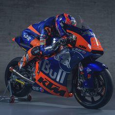 Philipp Oettl 019 #Starline #PhilippOettl #HJC #IXS #KTM #Tech3 #RedBull #MotoGP Valentino Rossi, Ktm Factory, Super Bikes, Motogp, Cool Bikes, Old And New, Motorbikes, Stars, Red Bull