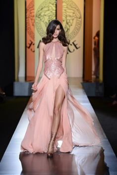 Atelier Versace AW 2012 at Haute Couture Fashion Week Versace Wedding Dress, Versace Dress, Pink Wedding Dresses, Pink Gowns, Pink Dress, Dress Up, Versace Pink, Dress Wedding, Pink Maxi