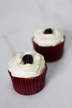 Blackberry, ginger and sechuan pepper liqueur cupcakes