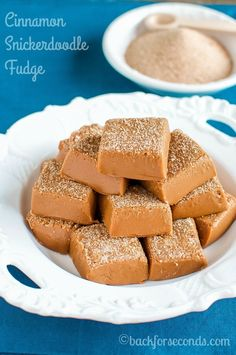 This Easy Cinnamon Snickerdoodle Fudge is the perfect recipe for you if you think you can& make fudge. Creamy, no fail, and tastes like a snickerdoodle! Fudge Recipes, Candy Recipes, Baking Recipes, Dessert Recipes, Holiday Recipes, Dessert Bars, Holiday Treats, Christmas Recipes, Christmas Desserts