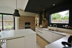 Cuisine mat design moderne à NANTES - Autre photo Kitchen Furniture, Kitchen Decor, Kitchen Mat, Design Kitchen, American Kitchen, Functional Kitchen, Kitchen Modern, Design Moderne, Home Reno