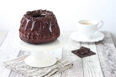 Ciambella al cacao con glassa al cioccolato fondente e rum -  per uno stampo da kugelhupf da 18cm o uno per ciambella da 20 cm