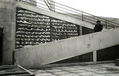 """LA CALIGRAFÍA DE LA ARQUITECTURA"", en Múltiples estrategias de #Arquitectura , en http://www.santiagodemolina.com/2014/02/la-caligrafia-de-la-arquitectura.html  Visita de Christian Zervos au chantier de la Villa Savoye à Poissy (architecte Le Corbusier), Imagen FLC"
