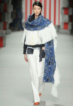 Wonderful large shawl with tassels. Cool set
