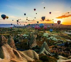 Cappadocia balloon (Turkey) - The spectacular landscape makes it the perfect spot to go up in a hot air balloon at sunrise. Fly over chimneys, pigeon houses, vineyards and other collorful balloons whilst enjoying the view below. - Want to discover more hidden gems in Europe? All of them can be found on www.broscene.com
