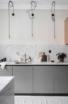 Turn of the century home with a luxurious look and feel - via Coco Lapine Des. Interior Styling, Interior Decorating, Kitchen Design, Kitchen Decor, Cocinas Kitchen, Minimal Kitchen, Kitchen Fixtures, Interior Design Living Room, Interior Inspiration