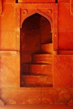 Moroccan doorway. Maroc Désert Expérience tours http://www.marocdesertexperience.com