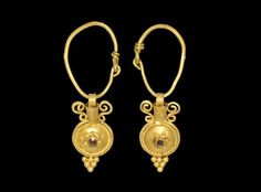 Greek Gold Amphora-Type Earrings, 2nd-1st century BC.