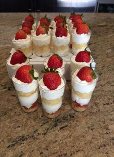 , Mini Strawberry Shortcake Parfait Recipe Strawberry Shortcakes mini dessert shooters ¿Quieres hacer postres en casa pero virtually no dispones nufactured horno o no les . Valentine Desserts, Mini Desserts, Shot Glass Desserts, Pretzel Desserts, Wedding Desserts, Keto Desserts, Chocolate Desserts, Easy Desserts, Wedding Cakes