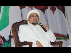 Habib Rizieq yang bernama lengkap Muhammad Rizieq bin Hussein Shihab adalah seorang tokoh Islam Indonesia yang dikenal sebagai pemimpin organisasi Front Pemb..