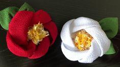 つまみ細工風 椿】kanzashi flower DIY hair accessory – Garden Ideas Kanzashi Flowers, Felt Flowers, Diy Flowers, Fabric Flowers, Diy And Crafts, Arts And Crafts, New Years Decorations, Soutache Jewelry, Diy Hair Accessories