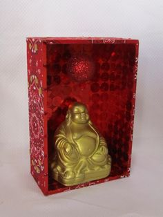 Oratório Buda chinês.  Outras divindades - Vendas e encomendas WatsApp 11 94250 7292 ou prendasdemaira.wix.com/santosedivindades