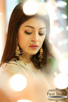 Fancy Jewellery, Indian Jewellery Design, Royal Jewelry, Nose Ring Jewelry, Nose Rings, Nose Jewels, Bridal Nose Ring, Designer Sarees Wedding, Bridal Photoshoot