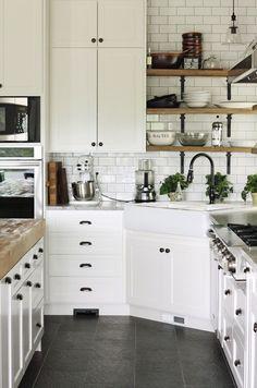 Rustic-style white kitchen! #interior