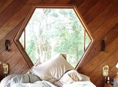 Hex window. I could cuddle up with my laptop and write for days there.