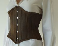 A very well explained tutorial (and pattern included) for an underbust corset. --Instructables
