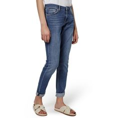 Petite Women's Topshop 'Lucas' Boyfriend Jeans ($80) ❤ liked on Polyvore featuring jeans, indigo, petite, stretch jeans, slim boyfriend jeans, blue denim jeans, slim fit jeans and petite jeans