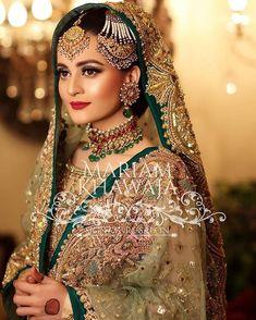 New Wedding Dresses Pakistani Jewellery Ideas - New Wedding Dresses Pakistani Jewellery Ideas Source by schmidtmargot - Latest Bridal Lehenga, Pakistani Bridal Makeup, Pakistani Wedding Outfits, Bridal Outfits, Pakistani Dresses, Indian Bridal, Bridal Mehndi Dresses, Bridal Dress Design, New Wedding Dresses