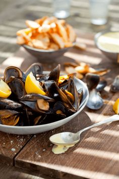 Fresh Mussels, chips and Homemade Mayonnaise - NOMU Homemade Mayonnaise, Deep Frying Pan, Homemade Chips, White Wine Vinegar, Cook Off, Mussels, Fish And Seafood, A Food, Kitchens