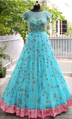 Bridal lehenga Store strongly believes that the ultimate empowerment is to wear something incredibly simple! Also, worldwide shipping is available. Indian Gowns, Pakistani Dresses, Indian Outfits, Designer Bridal Lehenga, Bridal Lehenga Choli, Saree, Long Dress Design, Dress Designs, Blouse Designs