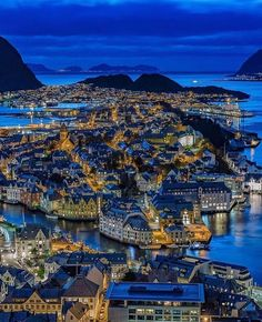Alesund, Best Vacation Spots, Best Vacations, Lillehammer, Camping Car France, Bon Plan Voyage, Adventure Photos, Nature Adventure, Visit Norway