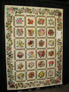 Broderie Perse Applique Quilt by quiltingqueensmn, via Flickr