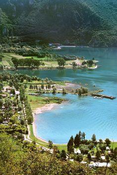 Het Lago d'Idro - een van de 25 mooiste meren van Italië