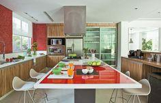 Como aproveitar o espaço e organizar os utensílios na cozinhaCasa