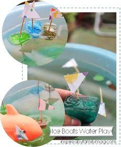 bootjes gemaakt met ijsblokjes voor in de watertafel