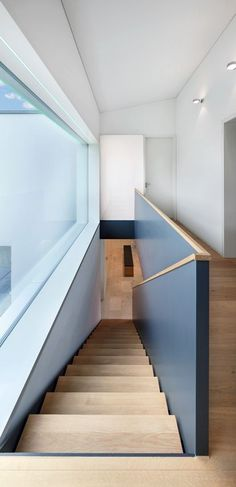 How to choose and buy a new and modern staircase – My Life Spot Stair Handrail, Staircase Railings, Staircase Design, Stairways, Interior Stairs, Interior Architecture, Escalier Design, Modern Stairs, House Stairs