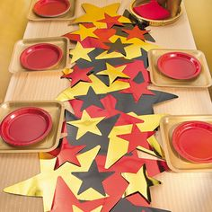 A dazzling addition to movie marathons, award celebrations or even star student parties at school, this do it yourself table runner lets you feel like . Preschool Teacher Appreciation, Teacher Appreciation Week, Volunteer Appreciation, Appreciation Gifts, Graduation Theme, Preschool Graduation, Graduation Ideas, Love Teacher, Teacher Gifts